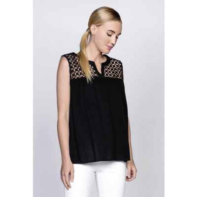 Pattern Cutout Sleeveless Top in Black
